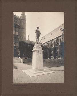 War Memorial, Malvern College, Drury sculpture